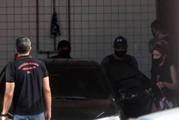 Fabrício Queiroz chega ao IML para realizar exames