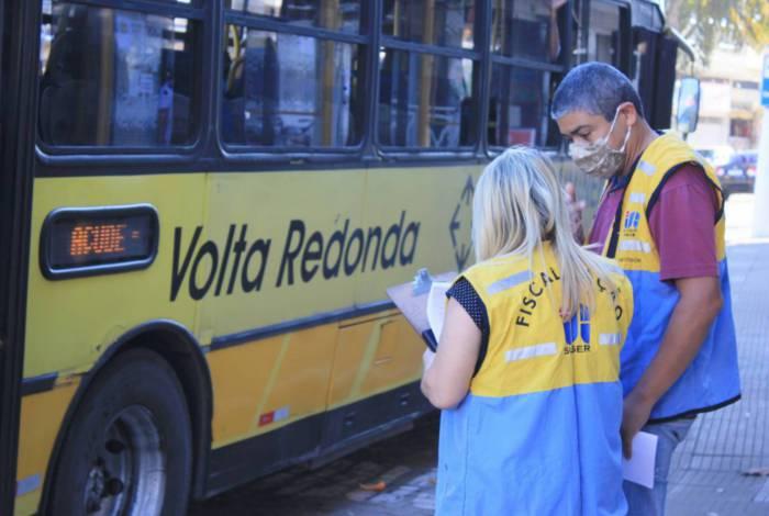 Prefeitura de Volta Redonda realiza fiscalização no transporte coletivo no bairro Santo Agostinho