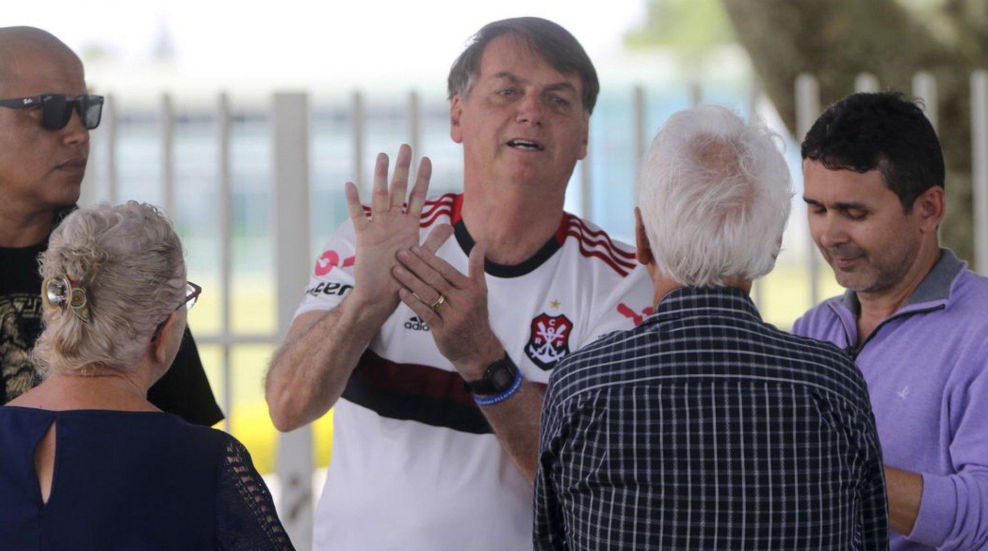 Vídeo! Bolsonaro acerta placar de vitória do Flamengo e diz torcer por final da Libertadores no Brasil