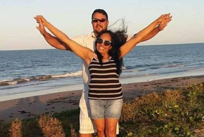 Marinez Almeida Pereira, de 42 anos, e seu marido, Wanderley Nascimento de Oliveira, de 50 anos, morreram no local do acidente