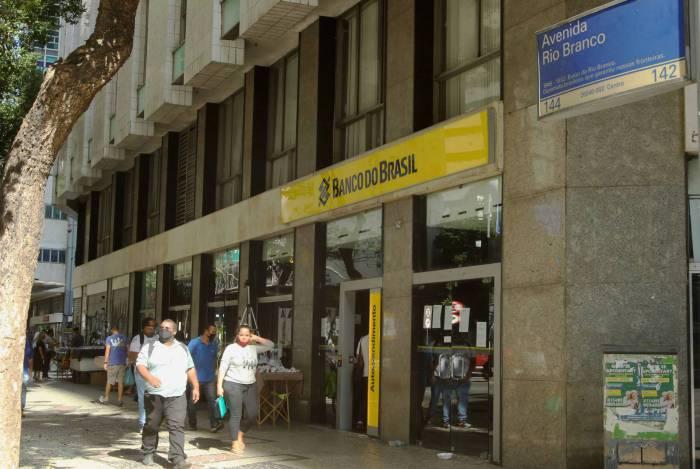 Rio - Coronavirus - 24/06/20 - Covid19 -  - Coronavirus -  Fachada do Banco do Brasil,na Avenida Rio Branco,142..  Fotos: Estefan Radovicz / Agencia O Dia