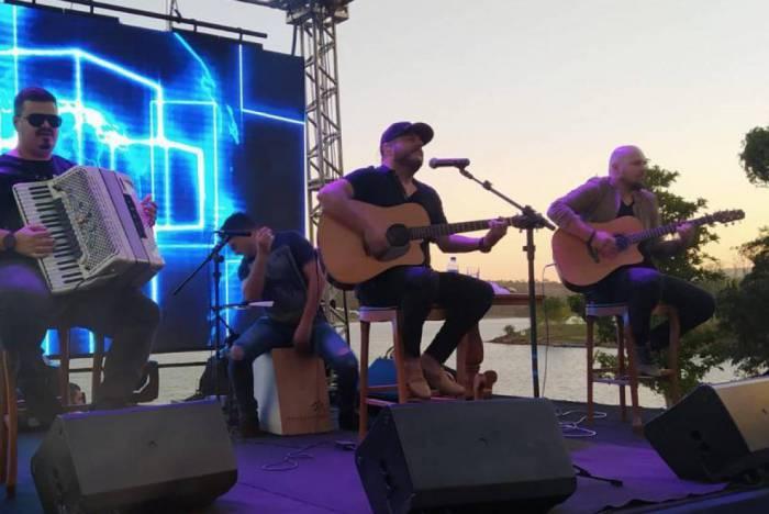 Show de Bruno, da dupla com Marrone, em festa de empresário em Caldas Novas