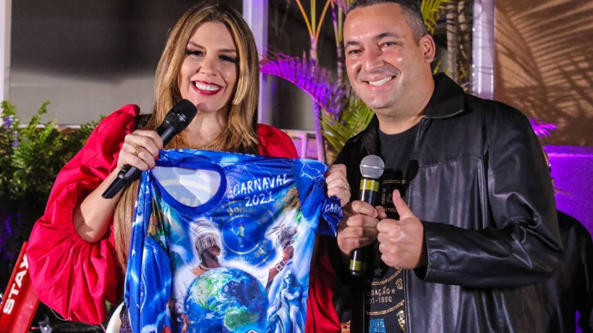 Simony anuncia que será a rainha de bateria da Unidos do Peruche