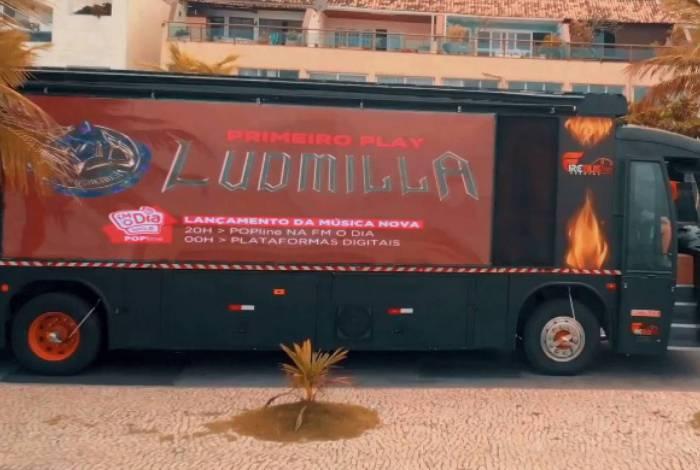 Busdoor de Ludmilla