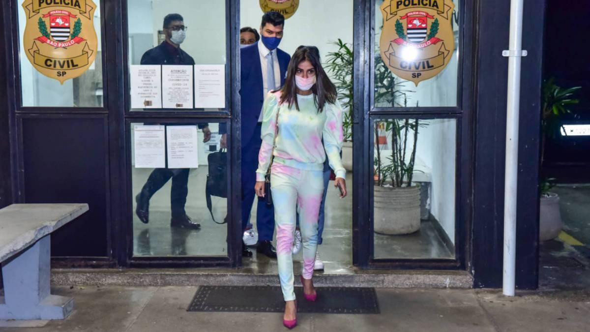 Ex-BBB Munik Nunes vai à delegacia depor sobre o caso do divórcio do jogador Dudu