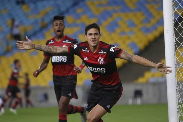 Será? Lateral acredita que Atlético-MG pode bater de frente com o Flamengo: É jogar sem medo