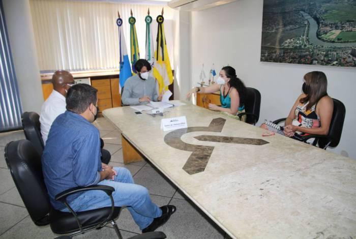 Samuca Silva sanciona Plano Municipal da Infância e Adolescência
