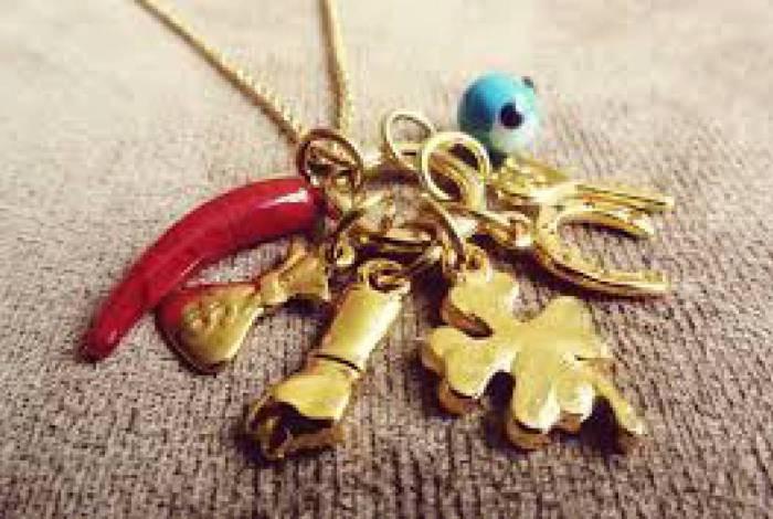 Amuletos que protegem contra a inveja e o mau-olhado