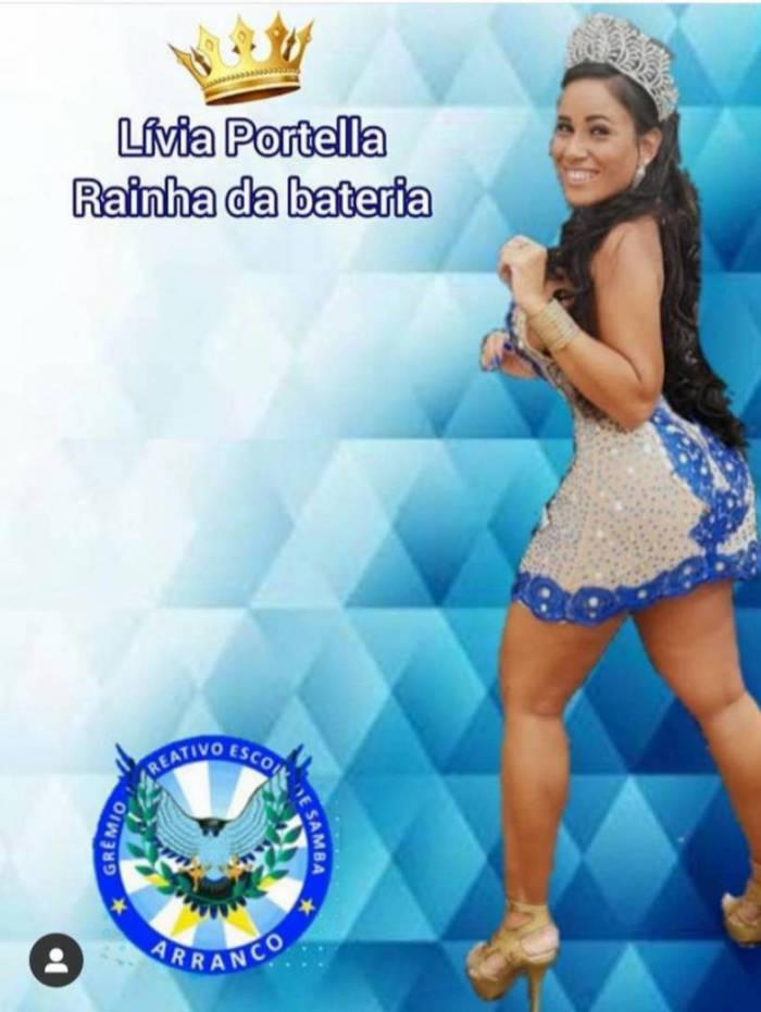 Lívia Portella é rainha de Bateria
