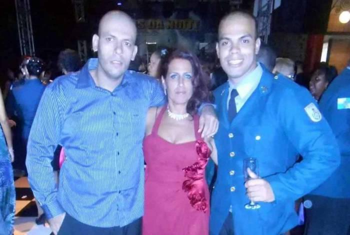 O soldado Cabral, a mãe, Verônica de Jesus Conceição, o irmão, Antônio de Jesus Cabral, todos presos na operação de hoje