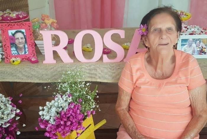 Mesmo depois de estar supostamente curada da Covid-19, dona Rosa Neves voltou a ter tosse e febre