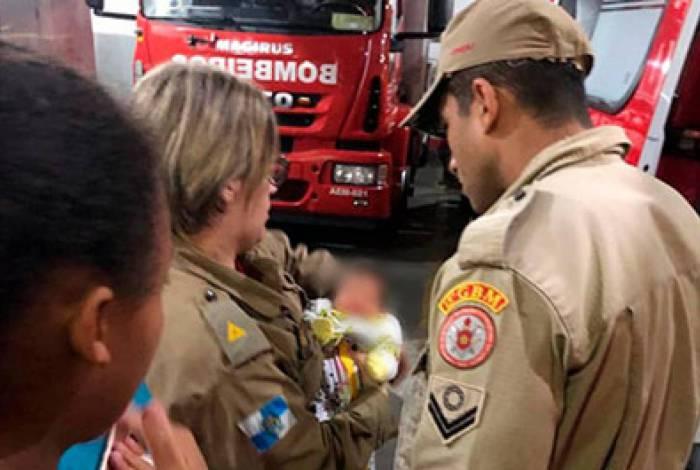 A mãe da criança buscou ajuda no quartel, localizado na Avenida Barão do Rio Branco, no Centro