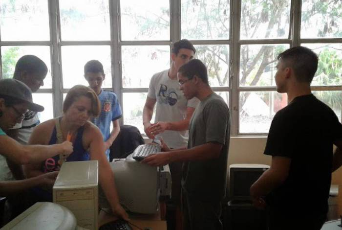 O Lema, da Uezo, tem como objetivo desenvolver o ensino, pesquisa e extensão usando análise estatística