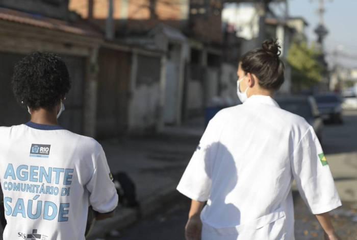 Agentes da Vigilância Sanitária atuam em comunidades do Rio
