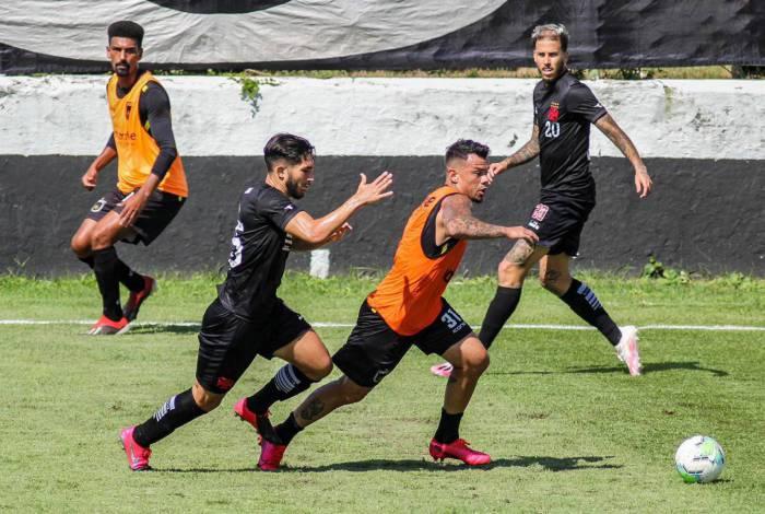 Voltaço é derrotado pelo Vasco em jogo-treino