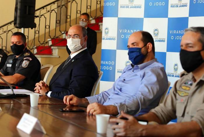 Na cerimônia, no Palácio Guanabara, o governador também assinou ato de convocação imediata de mais 400 candidatos aprovados no concurso de 2014 da corporação.