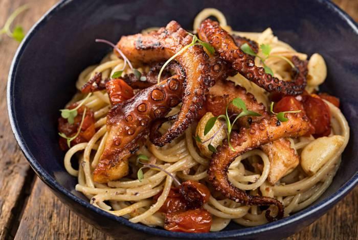 Porto Frescatto - polvo grelhado com spaghetti por R$ 78