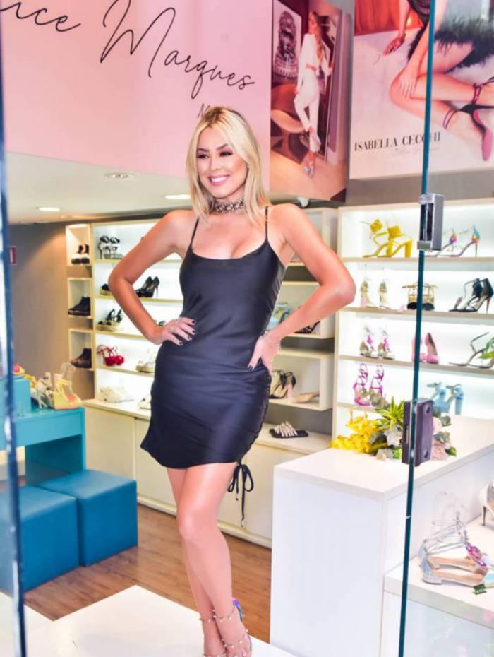 Isabella Cecchi lança linha de sapatos