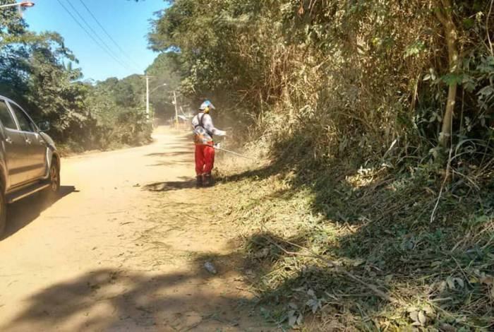 Equipes da Secretaria fizeram a manutenção das estradas vicinais em Cantagalo