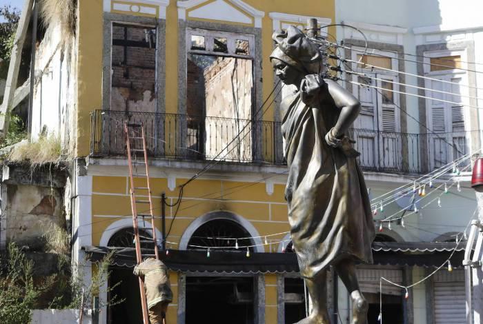 Rio de Janeiro - RJ  - 11/08/2020 - Geral - Incendio em casarao antigo na Gamboa, zona portuaria do Rio, na manha de hoje  -  Foto Reginaldo Pimenta / Agencia O Dia