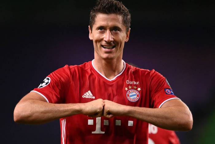 Lewandowski marcou o terceiro do Bayern: a dois do recorde de CR7