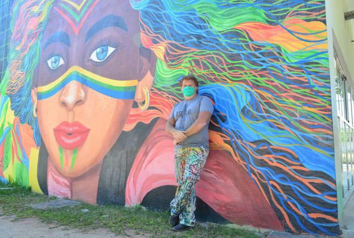 Arte de Luís Caio é marca registrada de Queimados
