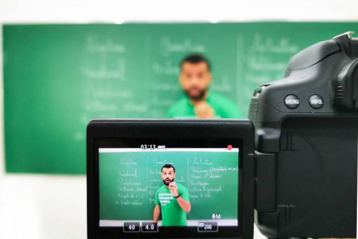 O professor Leonardo Chucrute vai oferecer material online: responsabilidade social