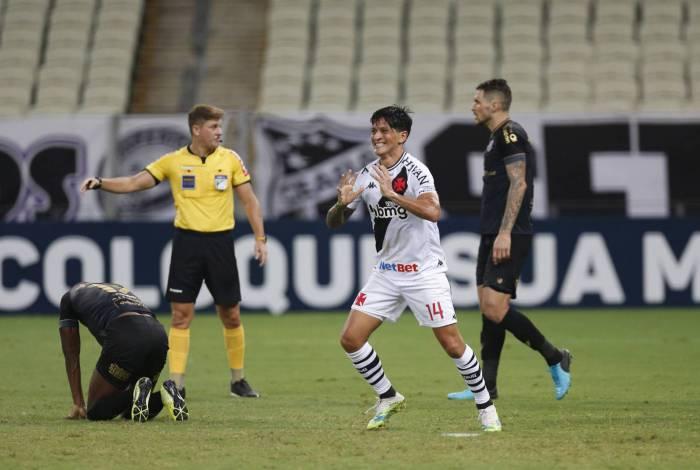 Cano comemora gol no Castelão: um dos artilheiros do Brasileiro