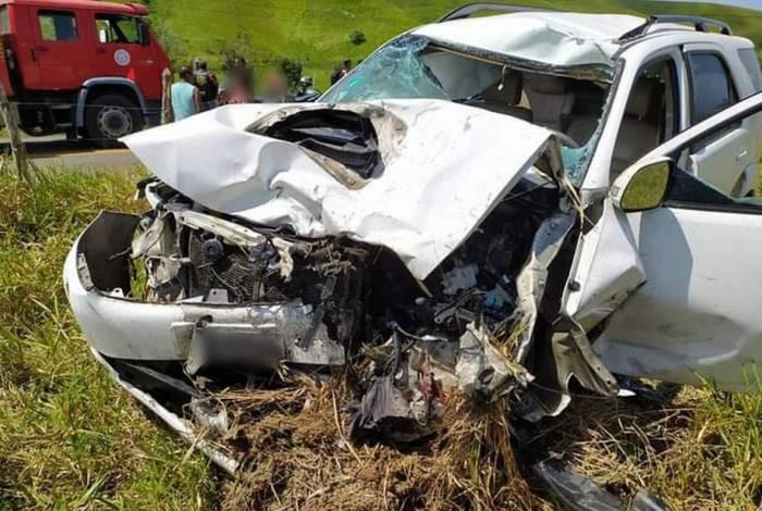Carro de vereador ficou completamente destruído após acidente