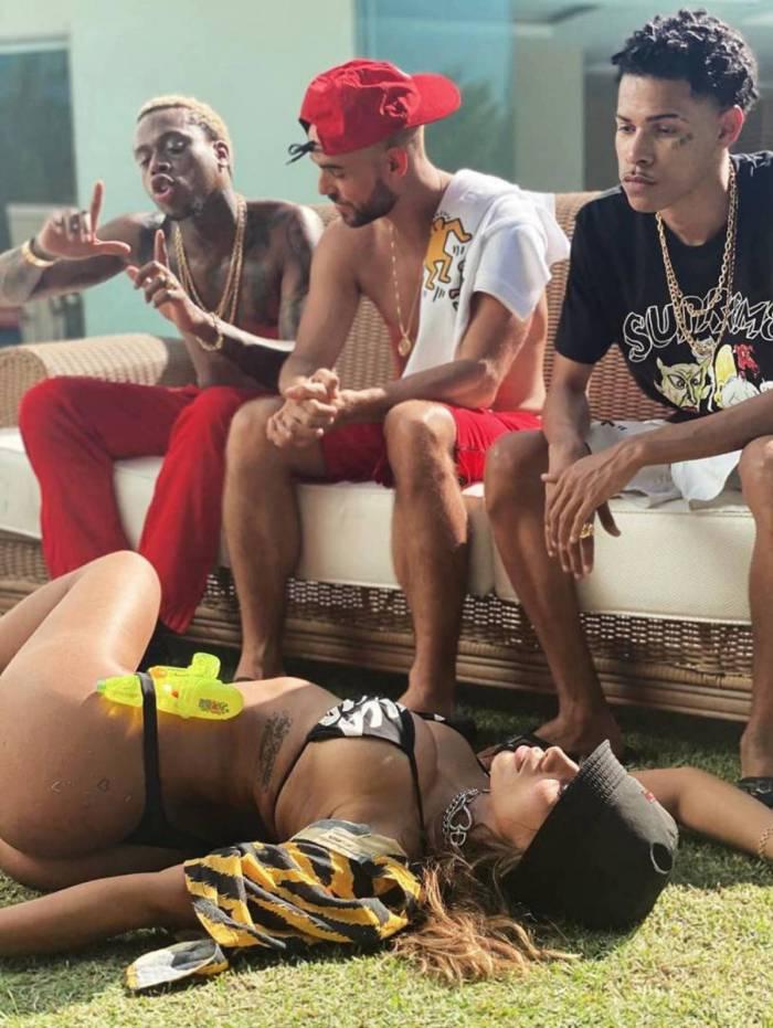 Anitta divulga nova música, Tá com o Papato
