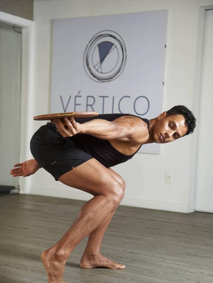 ZONA OESTE - MÉTODO VÉRTICO KINESIS - Fisioterapeuta Rodrigo Fernandes foi o criador do método que propõe exercícios terapêuticos