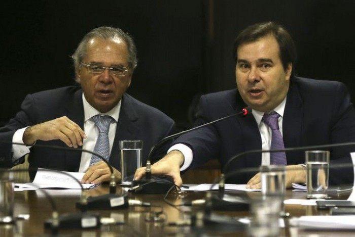 Paulo Guedes indicou economia de R$ 300 bi com a reforma; Maia indicou votação após a tributária
