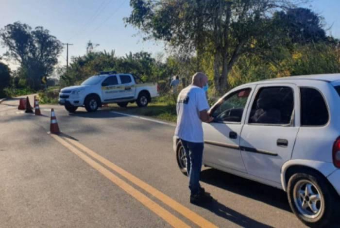 Barreira sanitária proibiu a entrada de 200 motoristas à área da Lagoa de Cima, em Campos