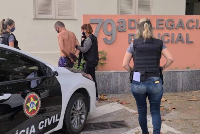 Ex-PM foi preso em casa