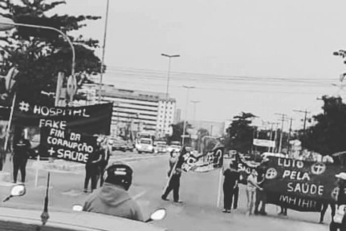 Manifestação pedindo reabertura do Hospital São Judas Tadeu
