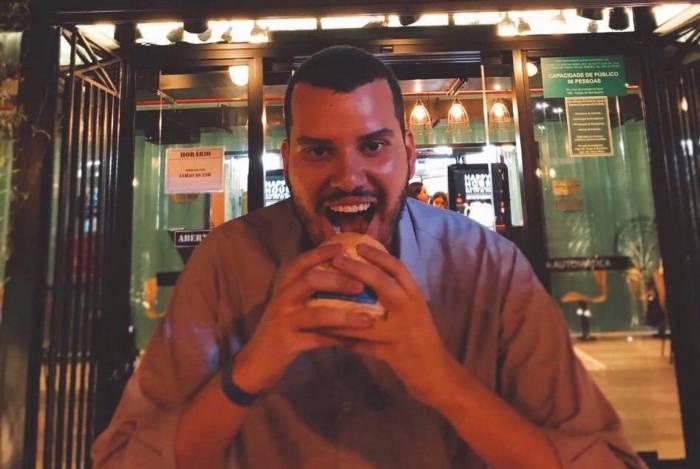 Advogado Jean Anjos não abre mão dos hambúrgueres com muito bacon