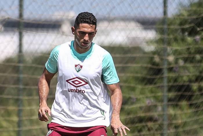Danilo Barcelos começou a treinar com o grupo na quinta-feira