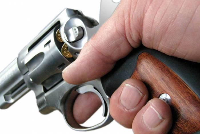 Avô do garoto era o dono da arma