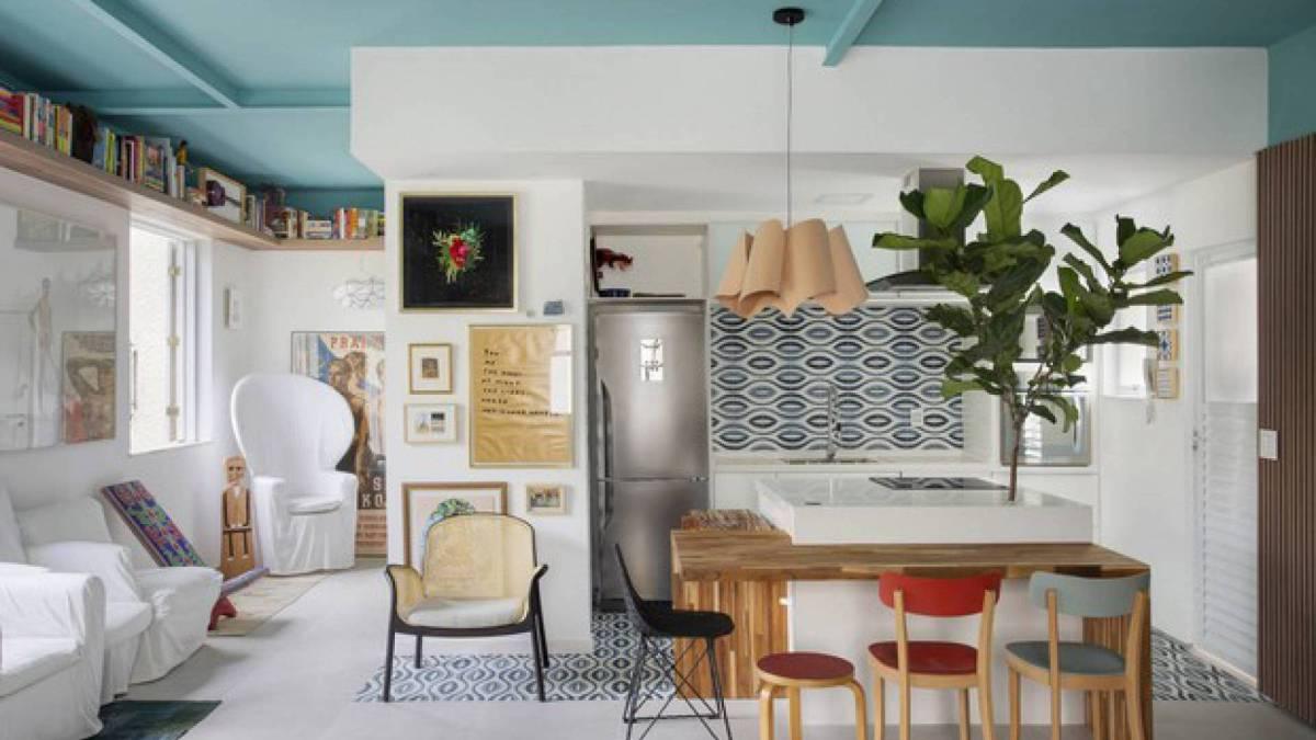 Zeca Camargo abre as portas de seu apartamento na Zona Sul do Rio;