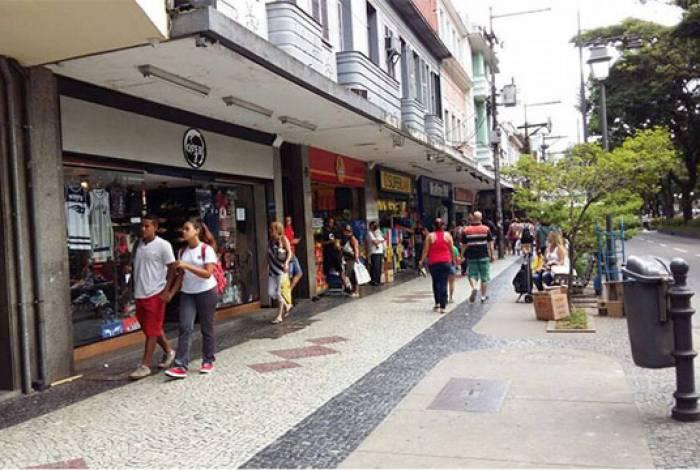 Lojas tem novo horário de funcionamento a partir de segunda-feira em Petrópolis