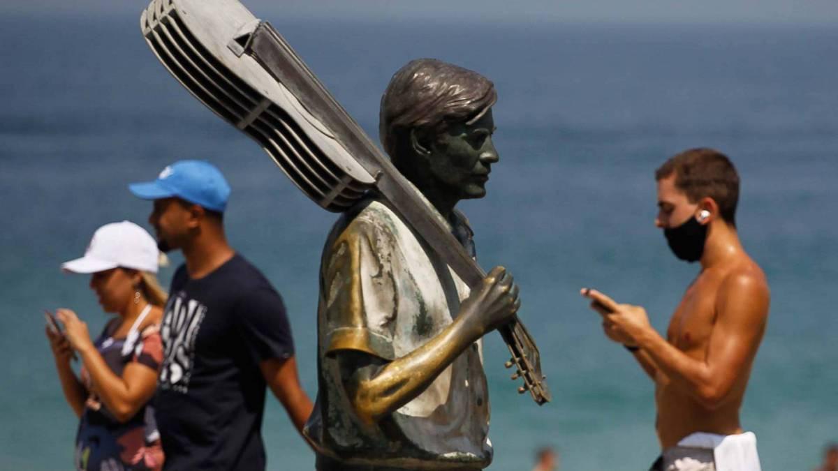 Rio de Janeiro - RJ - 12/09/2020 - Movimentacao pelos parques e orla da cidade, na foto praia do Ipanema - Foto Gilvan de Souza / Agencia O Dia