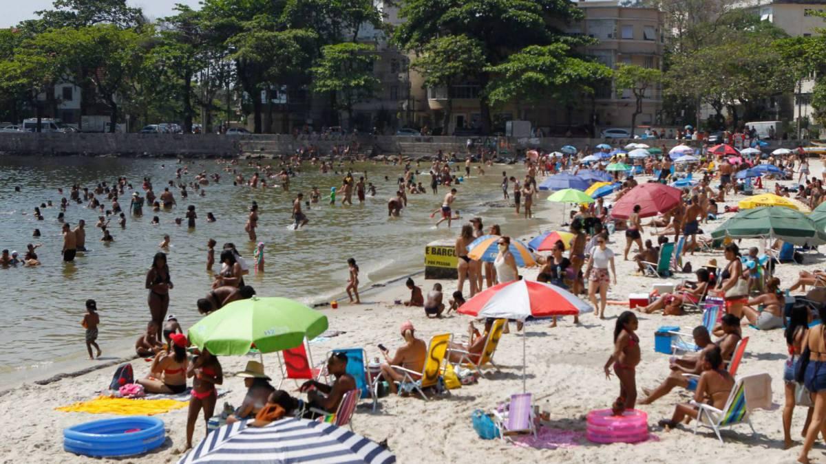 Rio de Janeiro - RJ - 12/09/2020 - Movimentacao pelos parques e orla da cidade, na foto praia da Urca - Foto Gilvan de Souza / Agencia O Dia