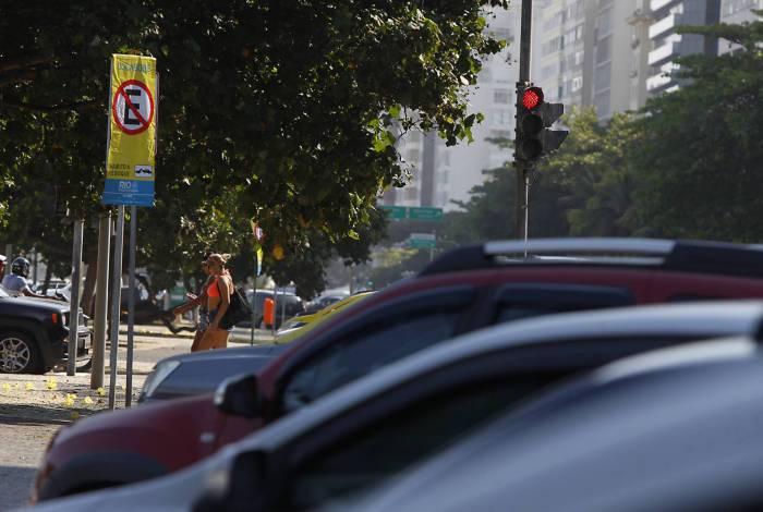 Estacionamento na orla do Rio está restrito aos fins de semana e feriados. Só moradores podem parar