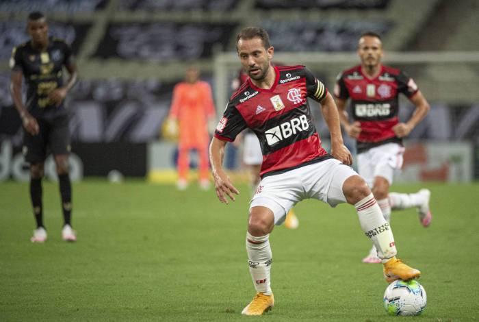 Everton Ribeiro: atuação ruim