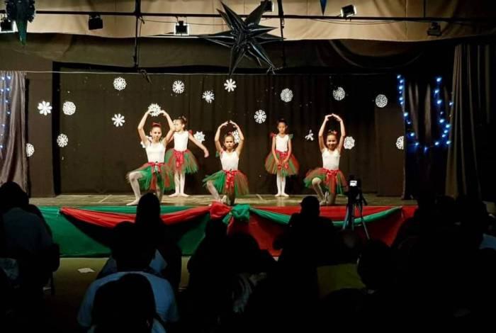 BAIXADA - Aulas de arte da Secretaria de Cultura do município de Guapimirim