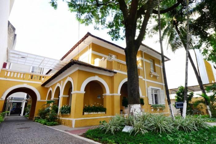 Referência na Baixada Fluminense, Casa de Cultura de Nova Iguaçu realiza atividades culturais, exposições de arte, shows e peças teatrais
