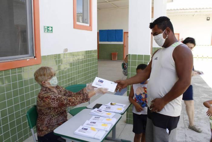Prefeitura de Nova Iguaçu começa, nesta sexta-feira (18), a entrega de alimentos para alunos das 141 unidades da rede municipal