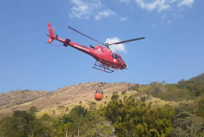 Operação Extinctus: Corpo de Bombeiros RJ extingue focos de incêndios florestais na Região Serrana