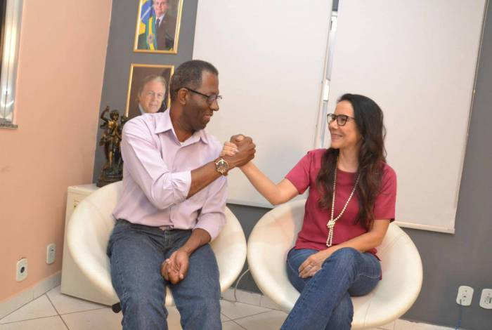 Professor Joziel e Raquel Maciel, candidatos a prefeito e vice em Meriti