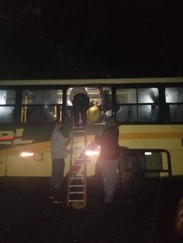 Ônibus quase de ribanceira em Duque de Caxias